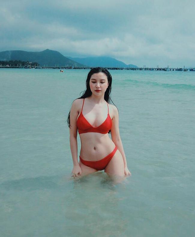 Côlà hot girl Hà Thành nổi tiếng cùng lứa với nhiều người đẹp như Huyền Baby, Emily, Hương Baby...