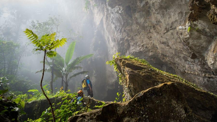 Du khách quốc tế sửng sốt trước sự kỳ vĩ của hang động lớn nhất thế giới Sơn Đoòng - 1