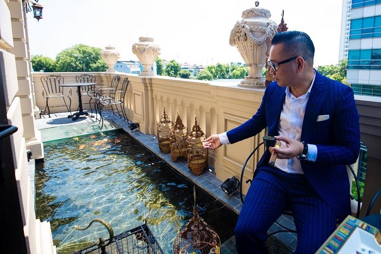 """Đại gia Hà thành chi 10 tỉ sở hữu đàn cá Koi quy tụ toàn """"siêu phẩm"""", có con lên tới 120 triệu - 1"""