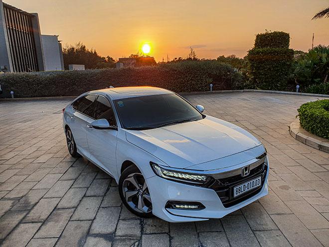Điểm qua những mẫu xe sedan hạng trung trong tầm dưới 1,4 tỷ đồng - 1