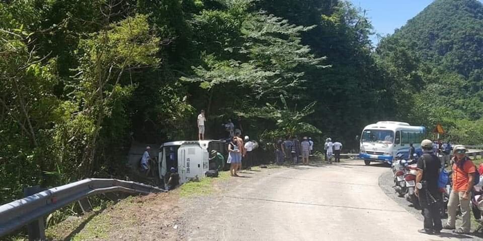 Phó Thủ tướng yêu cầu điều tra vụ tai nạn 8 người chết ở Quảng Bình - 1
