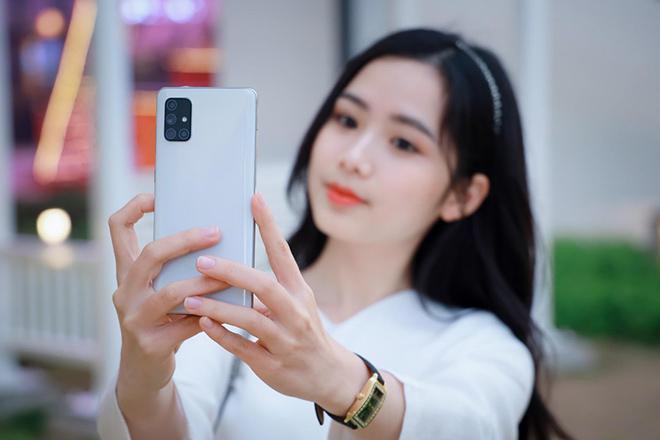 """Top điện thoại có camera sau hình chữ L, chụp ảnh siêu """"đỉnh"""" - 1"""