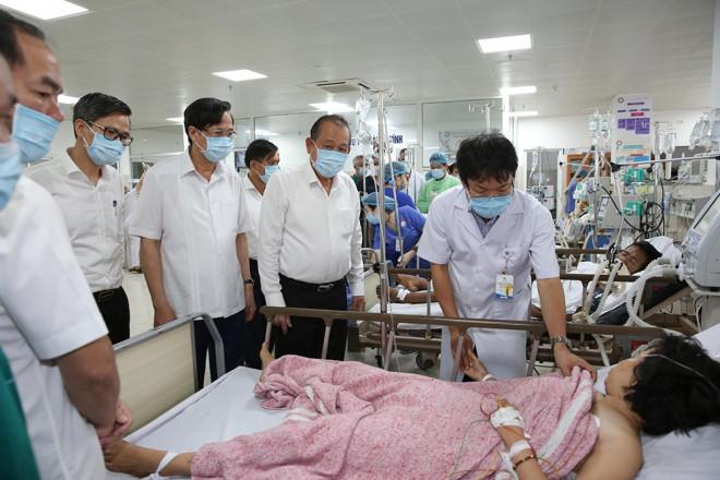 TNGT 15 người chết ở Quảng Bình: Niềm vui ngày họp lớp bỗng hóa đại tang - 1