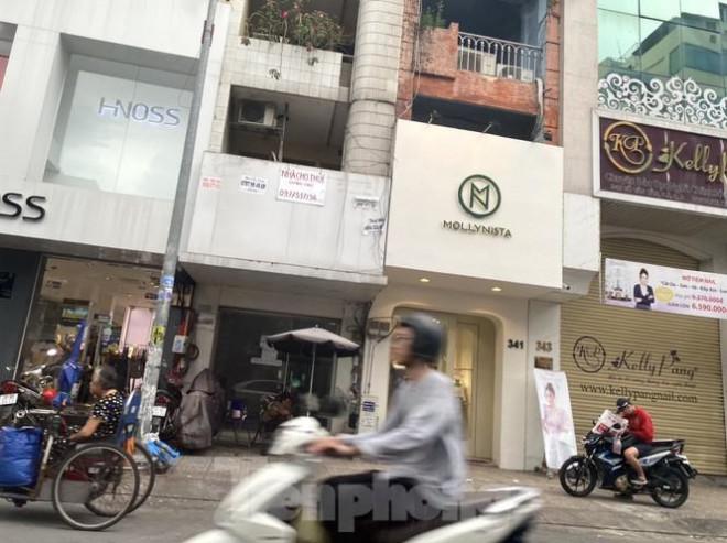 Nhà phố tiền tỷ 'thi nhau' đóng cửa, treo biển cho thuê ở trung tâm Sài Gòn - 7