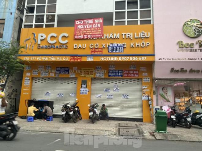 Nhà phố tiền tỷ 'thi nhau' đóng cửa, treo biển cho thuê ở trung tâm Sài Gòn - 10
