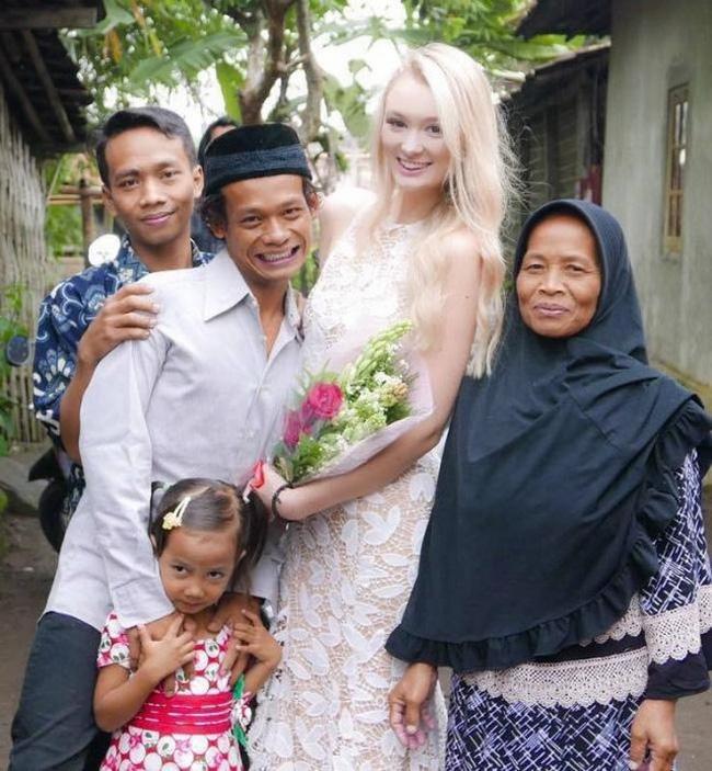 """Cặp đôi """"chồng cú vợ tiên"""" hạnh phúc sau 2 năm kết hôn vẫn bị dân mạng công kích chuyện tế nhị này - 1"""