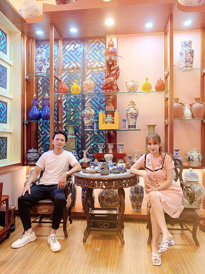 """Tú Vi khoe cơ ngơi choáng ngợp của bố chồng là đại gia Nghệ An, sưu tập toàn đồ cổ """"khủng"""" - 1"""