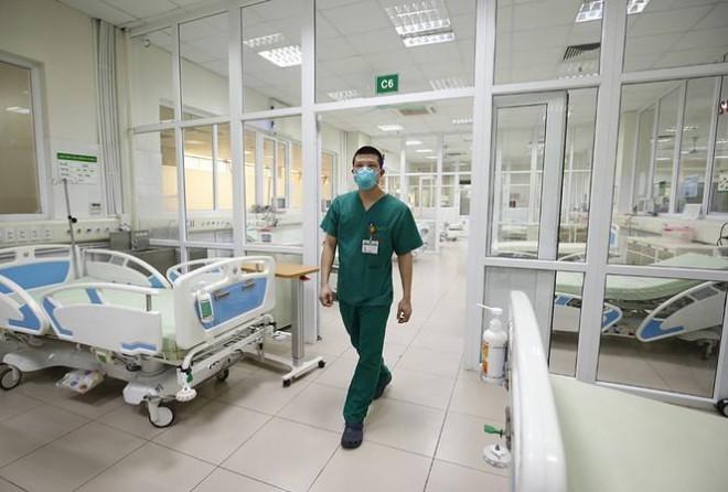Bên trong bệnh viện đón 120 người nhiễm COVID-19 về từ Guinea Xích Đạo - 5