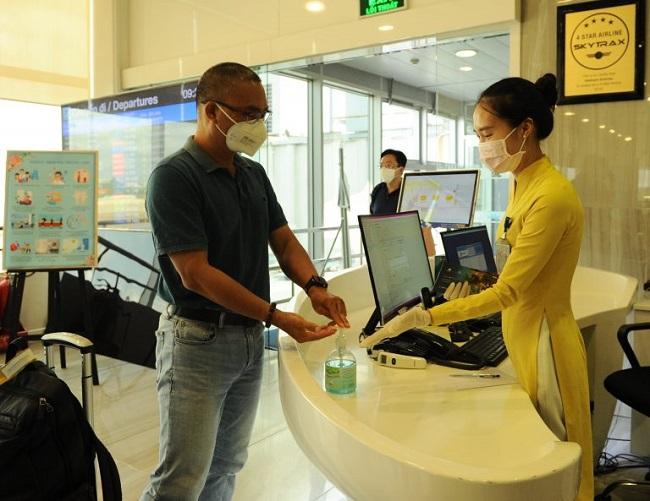 """Bố chồng Tăng Thanh Hà nhận tin sốc, doanh thu """"bốc hơi"""" mức khó tin - 1"""