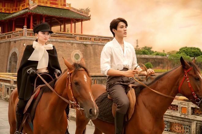 Kaity Nguyễn xuất hiện cùng trai lạ giữa Tử cấm thành Huế - 1