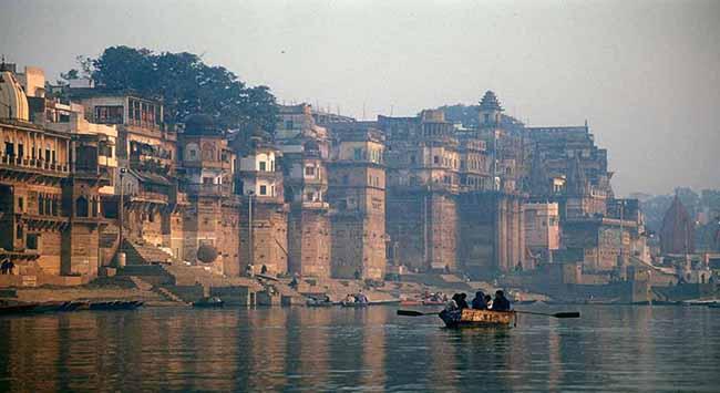 7 dòng sông ô nhiễm nhất ở Ấn Độ từng là những địa danh thu hút khách du lịch - 1