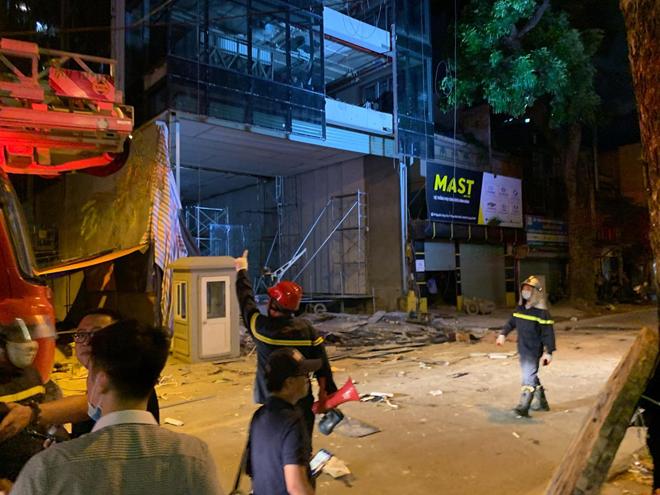 Vụ gãy thang công trình xây dựng ở Hà Nội: Xót xa cảnh vợ mất chồng, hai con nhỏ mất bố - 1