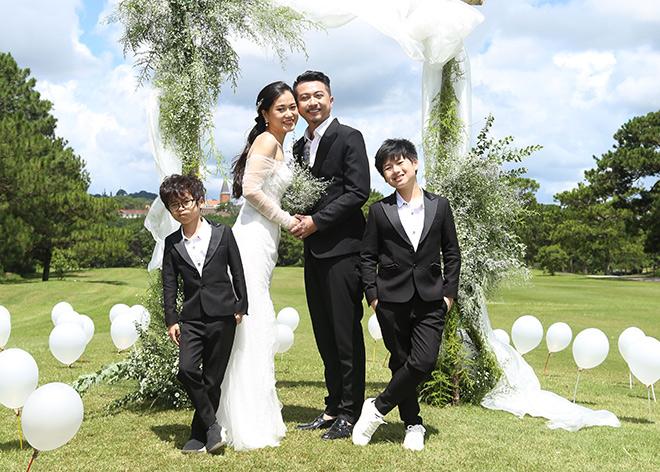 Vợ chồng Lâm Vỹ Dạ, Hứa Minh Đạt hạnh phúc kỷ niệm 10 năm yêu - 1