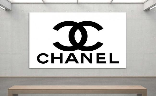 Là một thương hiệu thời trang hàng đầu thế giới, Chanel giống với nhiều hãng nổi tiếng khác, luôn phải đau đầu với nạn hàng giả, hàng nhái tràn lan.