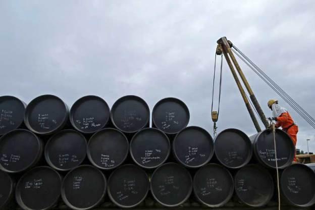 Giá dầu hôm nay 1/8: Quay đầu tăng từ mức thấp nhất 3 năm - 1
