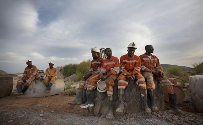 Ở đây, ngành công nghiệp dường như không tồn tại. Hơn một nửa dân số Mali không có học vấn, nhưng sản lượng vàng của quốc gia này lại đứng top 5 trên toàn thế giới.