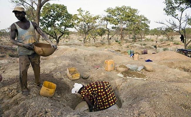 Do nơi này nằm sâu trong lục địa, lượng mưa tại đây cực ít ỏi nên nền nông nghiệp cũng có chung hoàn cảnh như công nghiệp. Người dân Mali chỉ có thể nhập khẩu lương thực từ các quốc gia khác.