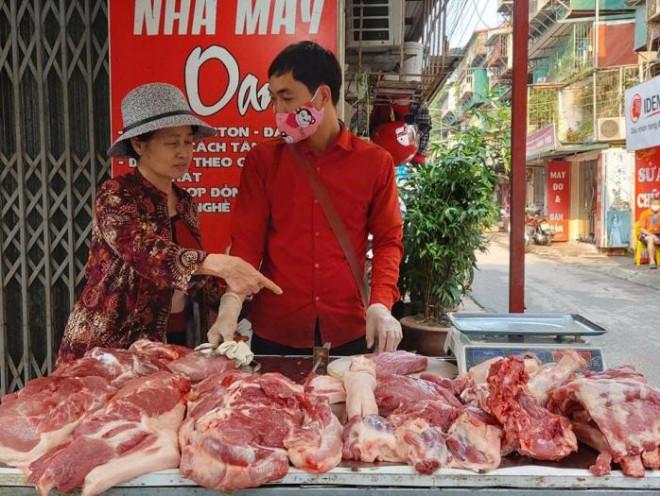 """Thịt lợn nhập khẩu ồ ạt về Việt Nam, trong nước giá vẫn """"cố thủ"""" mức cao - 1"""