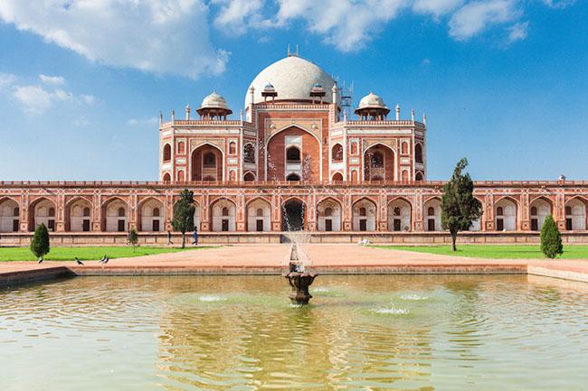 Du khách ngẩn ngơ trước những lăng mộ cổ đẹp và ấn tượng nhất thế giới - 1