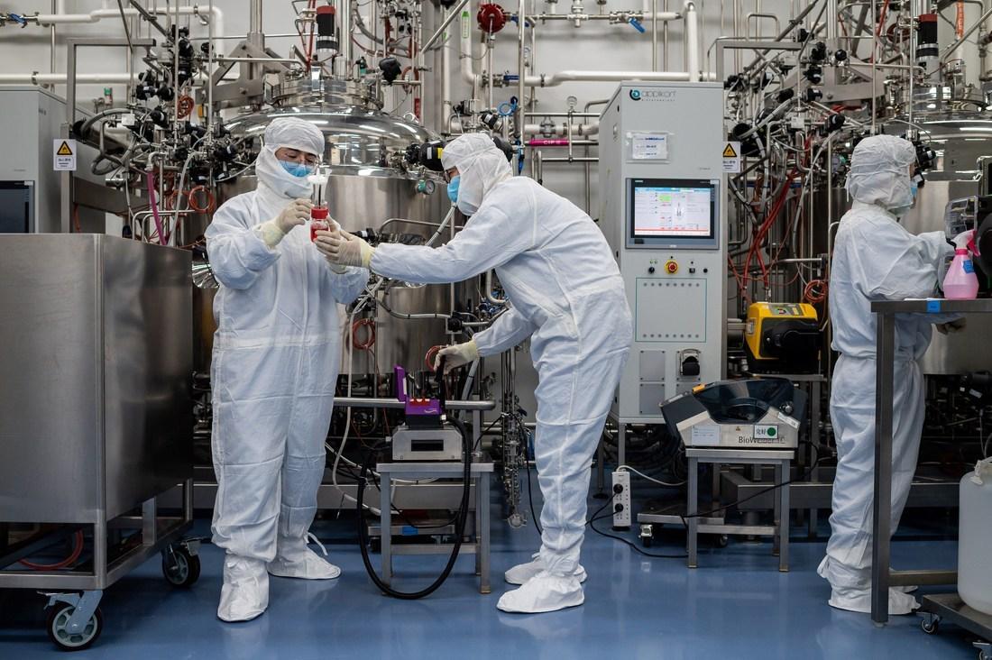 """""""Ngoại giao vắc xin Covid-19"""", liệu Trung Quốc có đủ khả năng? - 1"""