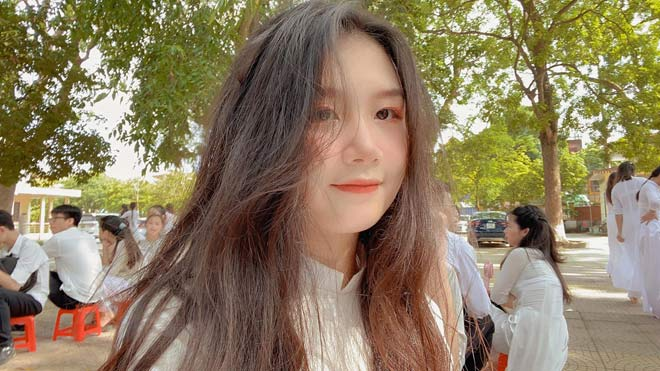 Bắt xe buýt lên Hà Nội học mỗi ngày, gái xinh Bắc Ninh giật học bổng 5,7 tỷ tại Mỹ - 1
