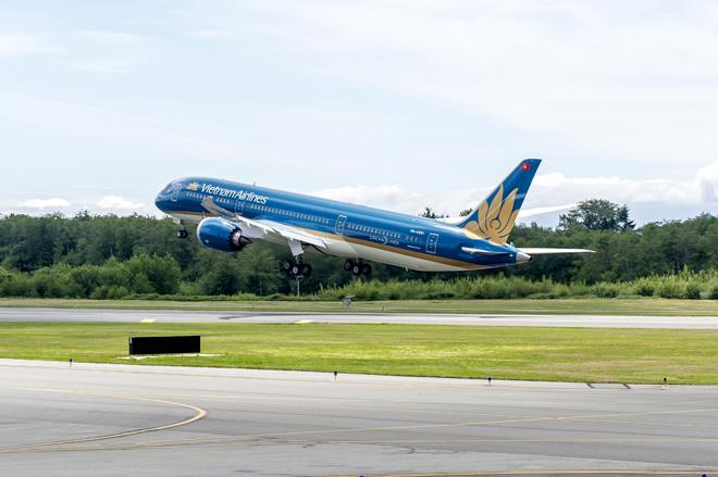 Hà Nội xác định 73 người cùng chuyến bay với 6 ca nhiễm COVID-19 từ Đà Nẵng về Nội Bài - 1