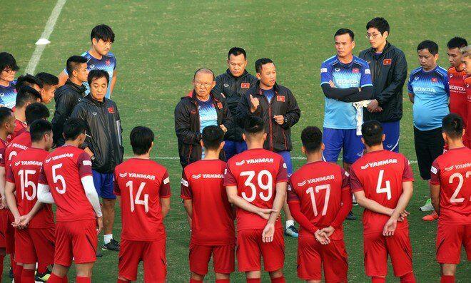"""Tuyển Việt Nam rơi vào """"hiểm cảnh"""" tại vòng loại World Cup - 1"""