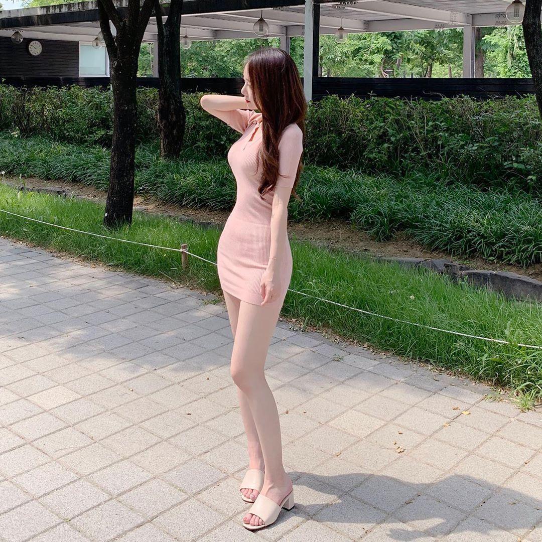 Những chiếc váy bodycon đơn giản mà đẹp của búp bê Hàn Quốc - 1