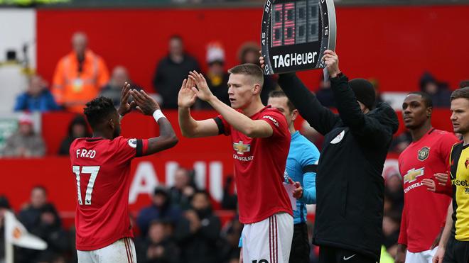 Ngoại hạng Anh phản đối thay 5 người/trận vì sợ MU, Liverpool được lợi - 1
