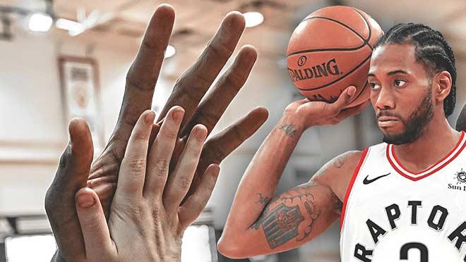 """SAO NBA có bàn tay """"nanh vuốt"""" vắng mặt bí ẩn, nghi hẹn hò người đẹp tóc vàng - 1"""