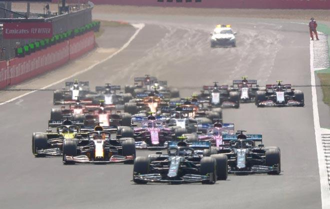 """Đua xe F1, 70th Anniversary GP: """"Bò húc"""" ghi dấu ngày F1 tuổi 70 - 1"""
