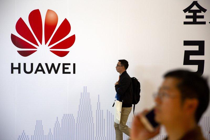Bị Mỹ cấm vận, Huawei cạn kiệt nguyên liệu để làm smartphone - 1