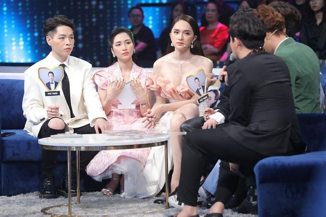 """Nam MC gây tranh cãi, bị chỉ trích dữ dội vì """"đá đểu"""" giới tính của Hương Giang - 1"""