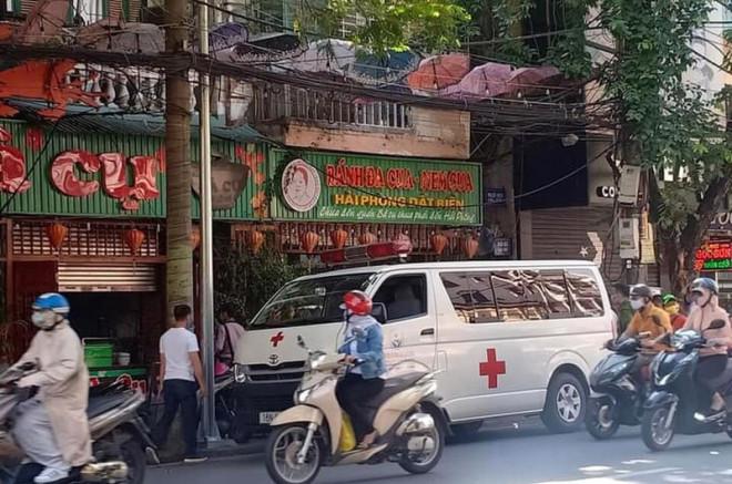 Tạm dừng hoạt động quán ăn liên quan vợ chồng bệnh nhân 816 - 1