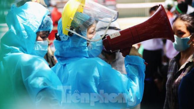 Đà Nẵng: Đổ quân ra chợ 'truy bắt' COVID-19 - 1