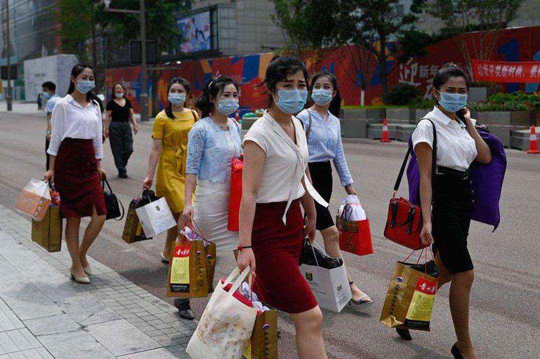 """TQ: Thị trường gặp khó, đội quân phụ nữ trẻ đầy """"quyền lực"""" ra tay giải cứu - 1"""