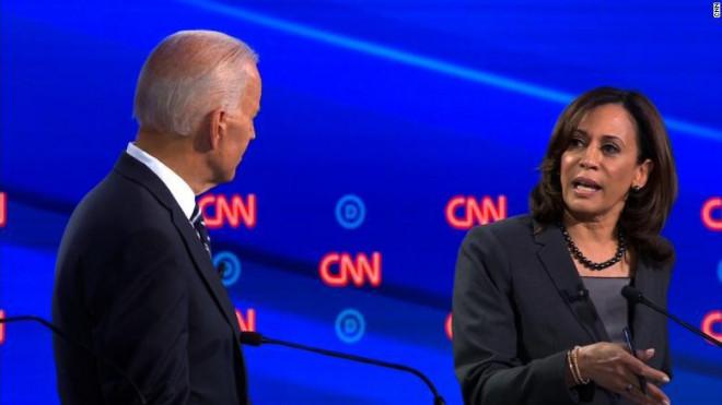 Bầu cử Mỹ: Ứng viên Joe Biden chọn át chủ bài đấu với Tổng thống Trump - 1