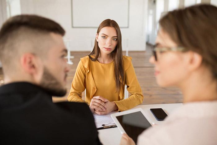 Ăn mặc như thế nào để ghi điểm trong cuộc phỏng vấn? - 1