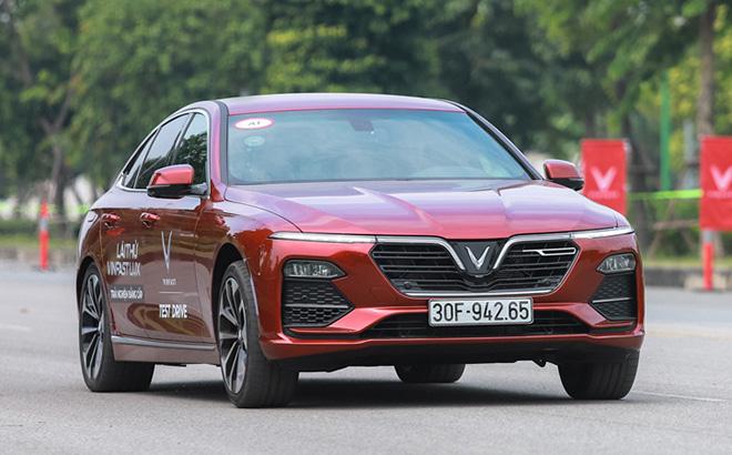 Bảng giá xe VinFast Lux A2.0 lăn bánh mới nhất tháng 8/2020 - 1