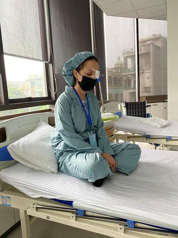 Từng có nguy cơ bị mù, nữ MC VTV hé lộ tình trạng sức khỏe sau 4 ca mổ mắt - 1