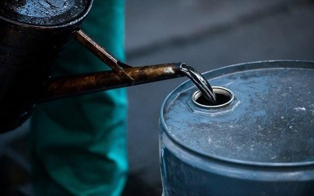 Giá dầu ngày 15/8: Tiếp tục lao dốc - 1