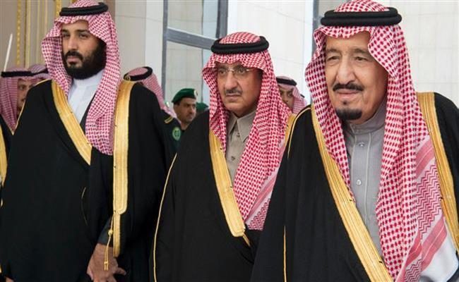 Hoàng gia Ả Rập Saudi chính là hoàng tộc giàu có nhất thế giới khi nắm giữ khối tài sản có giá trị lên tới 1,7 nghìn tỷ USD. Sự giàu có ngoài mức tưởng tượng này được trải rộng trong số 15.000 thành viên của gia đình.