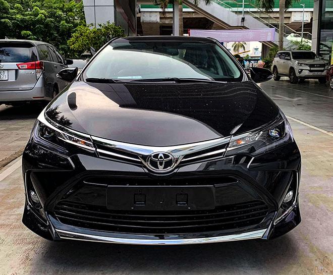 Cận cảnh Toyota Corolla Altis thế hệ mới tại Việt Nam - 1