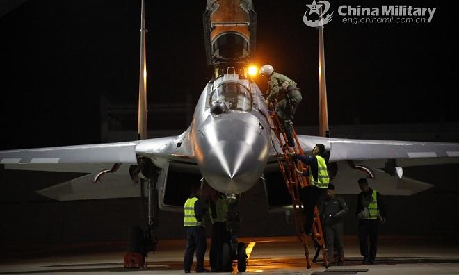Trung Quốc tiết lộ vũ khí vừa giống bom vừa giống tên lửa có thể khiến Đài Loan tê liệt - 1