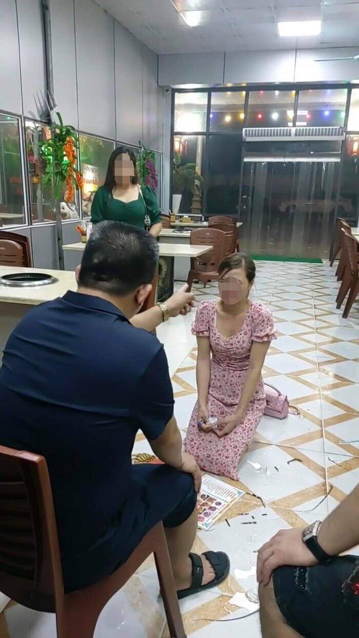 """Cô gái quỳ giữa quán ăn ở Bắc Ninh: """"Tôi vẫn sợ hãi, không dám đi ra đường"""" - 1"""