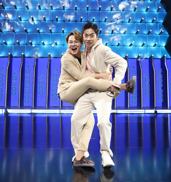 """YouTuber nhà """"siêu giàu"""" bất ngờ thắng giải 105 triệu đồng trên truyền hình Việt - 1"""