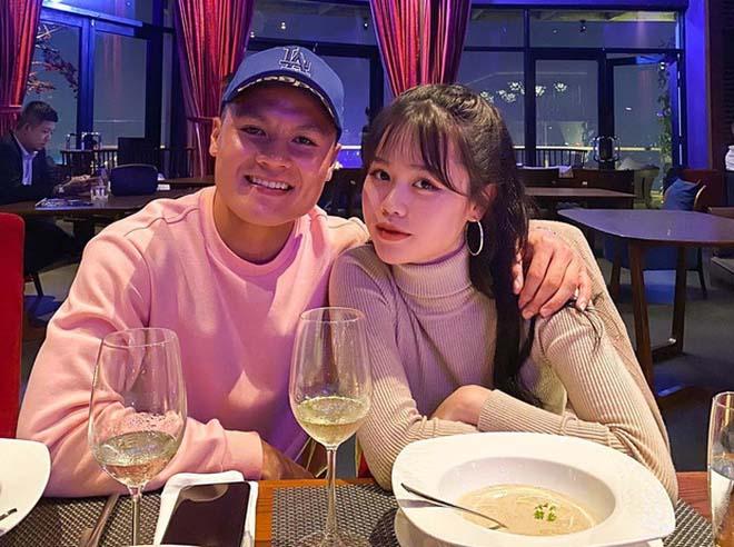 Quang Hải xoá hết ảnh Huỳnh Anh: Bạn gái hot girl phản ứng bất ngờ - 1