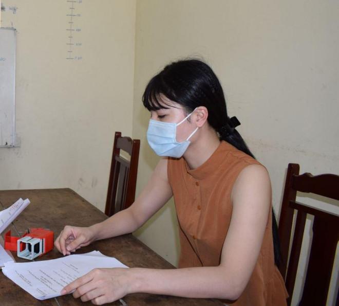 Hot girl Hưng Yên làm giả giấy trúng tuyển THPT chiếm đoạt hơn 240 triệu - 1
