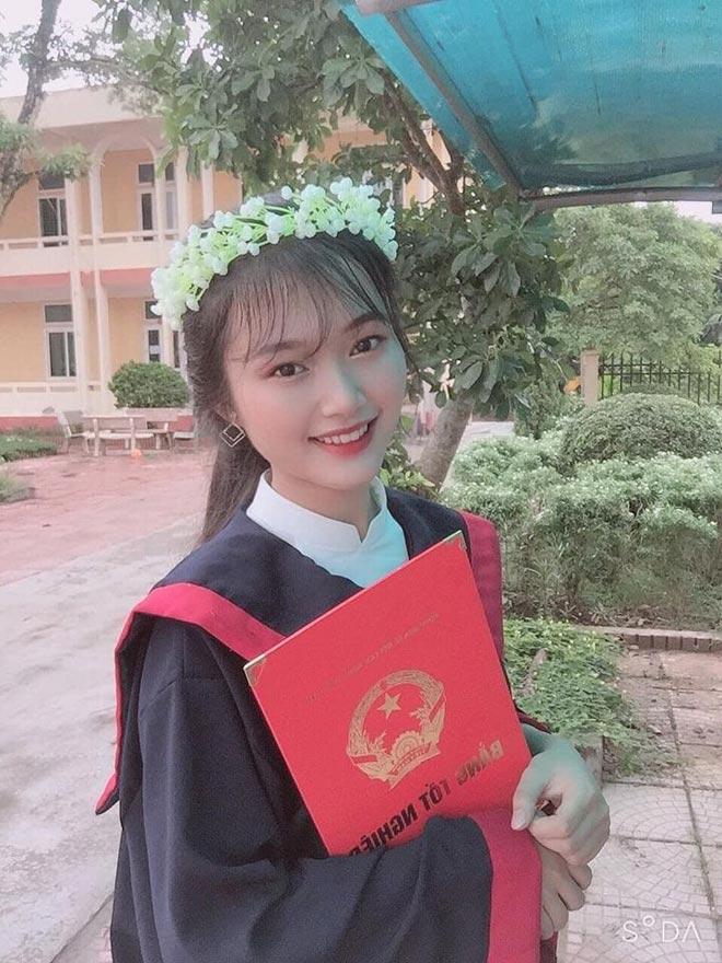 Nữ sinh xinh như hoa đạt 3 điểm 10 kỳ thi THPT Quốc gia 2020 - 3