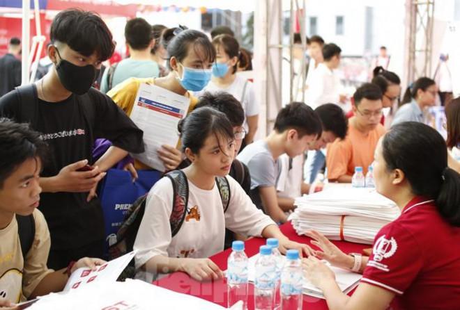 Bộ GD&ĐT quyết định điều chỉnh thời gian tuyển sinh ĐH năm 2020 - 1